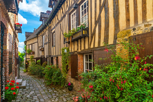 Crédence de cuisine en verre imprimé Lieu d Europe old cozy street with historic half timbered buildings in the the beautiful town of Honfleur, France