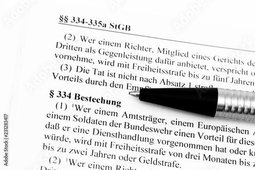 Fotografía  Bestechung im Strafgesetzbuch