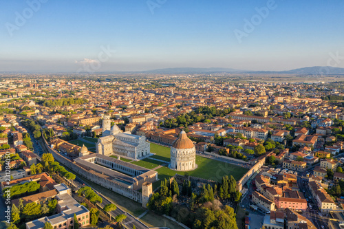 Fotografia Leaning Tower of Pisa and Cathedral - Aerial View