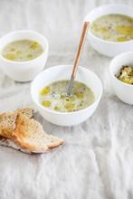 Broccoli-almondsoup