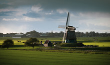 Etersheimer Braakmolen - The Polder Mill Has Been Completely Restored In Its Original State And Is Located At The Lowest Point Of North Holland, The Second Lowest Point In The Netherlands.