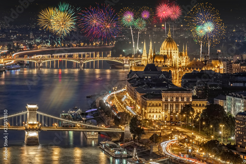 Photo Fireworks over the Pest side of Budapest across the Danube River in Hungary, Europe