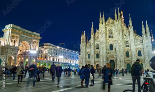 Fototapeta Night view of Piazza del Duomo in Milan obraz