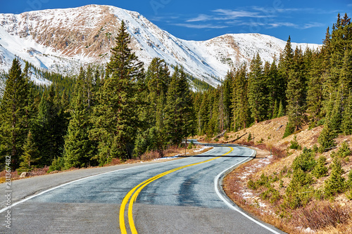 Staande foto Verenigde Staten Highway in Colorado Rocky Mountains