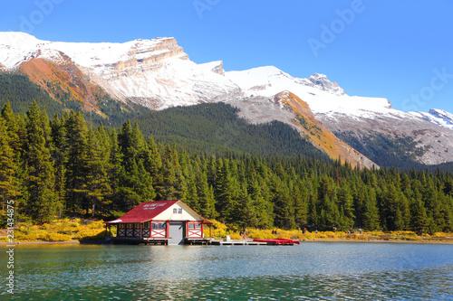 Leinwand Poster Maligne lake in Jasper national park Canada