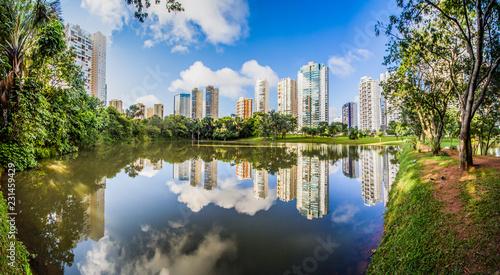 Os parques da Cidade de Goiânia-Goiás-Brazil são lindos e são usados pela população para lazer e turismo.