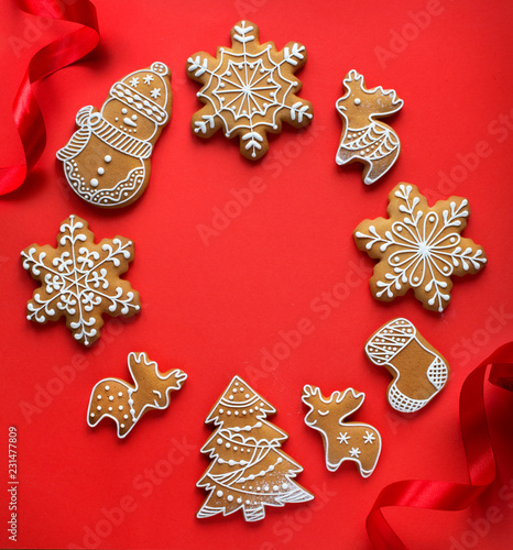 Foto op Plexiglas Hoogte schaal Christmas holidays ornament flat lay; Christmas card background