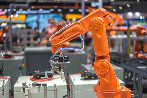 Leinwand Poster robot arm in factory