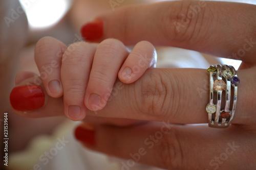 Fototapeta Dłonie dziecko matka obraz