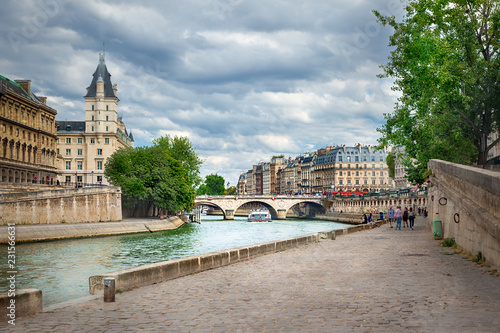 Tuinposter Centraal Europa Quai des Grands Augustins, Paris
