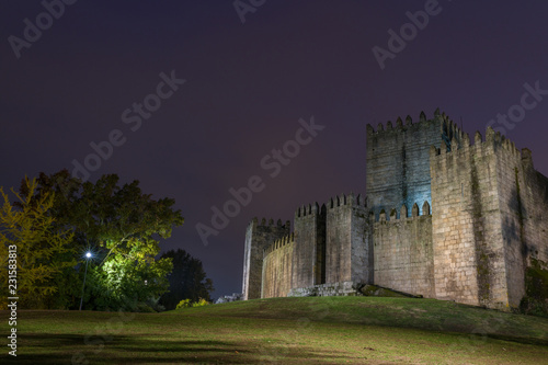 Spoed Foto op Canvas Historisch geb. Medieval castle in Guimaraes, north of Portugal