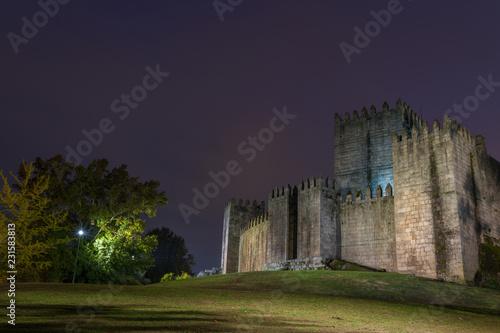 Foto op Aluminium Historisch geb. Medieval castle in Guimaraes, north of Portugal