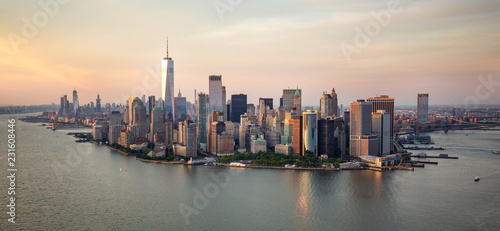 Foto op Aluminium New York New York city at sunset aerial view