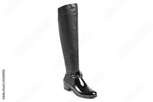 La pose en embrasure Equitation Women's demi-season high boots isolated on white background