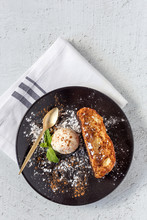 French Toast With Vanilla Ice Cream, Cinnamon And Mint
