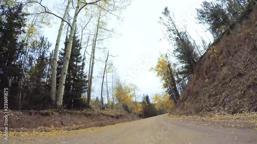 Fototapete - Time lapse. Driving on small mountain dirt roads from Colorado Springs to Cripple Creek in Autumn.