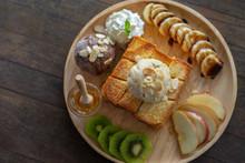 Honey Toast, Sweet Dessert In Cafe