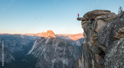 In de dag Verenigde Staten Hiker in Yosemite National Park, California, USA