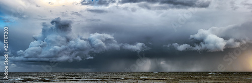 Picture of storm with dramatic clouds at the sea Fototapeta