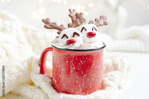 Poster Chocolade Hot chocolate with melted marshmallow snowman