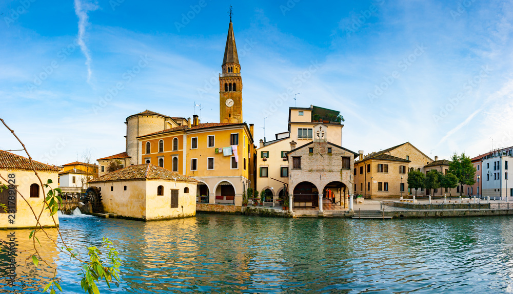 Fototapety, obrazy: Panoramic view of Portogruaro on Lemene river