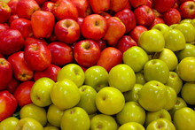Juicy, Fresh, Healthy Red And Green Apples. They Lie In A Continuous Layer. Border Between Green And Red - Digonal.