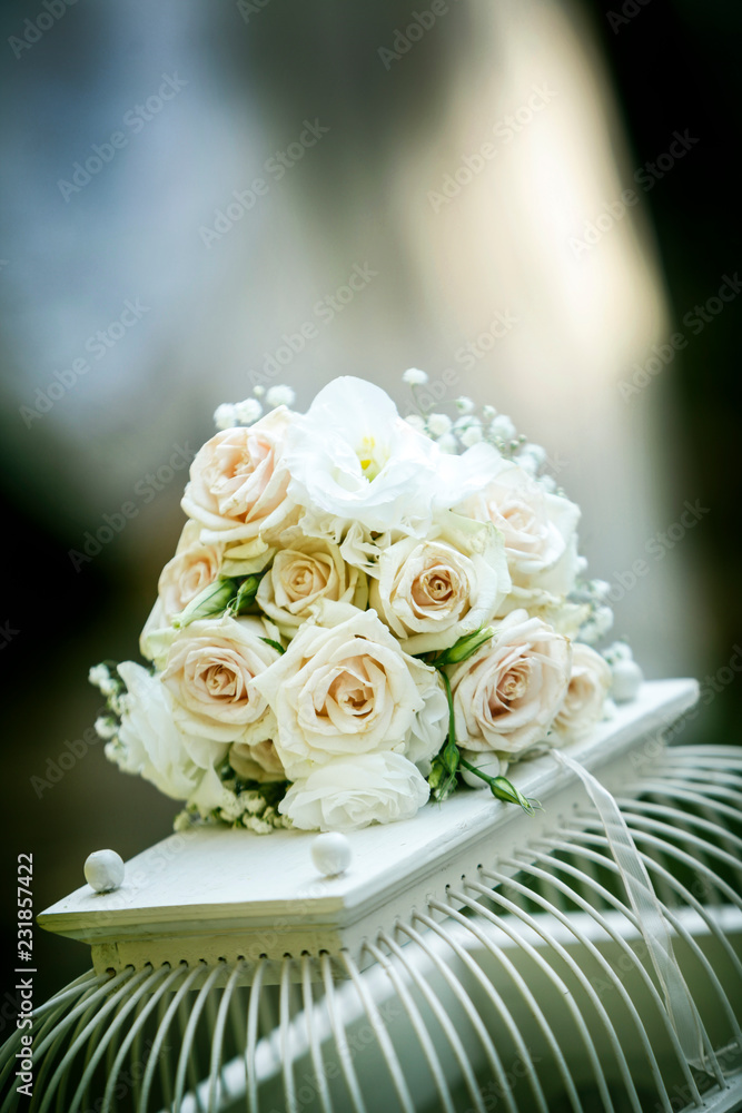 Immagini Di Bouquet Da Sposa.Photo Art Print Bouquet Da Sposa Di Rose Bianche Sopra Gabbietta