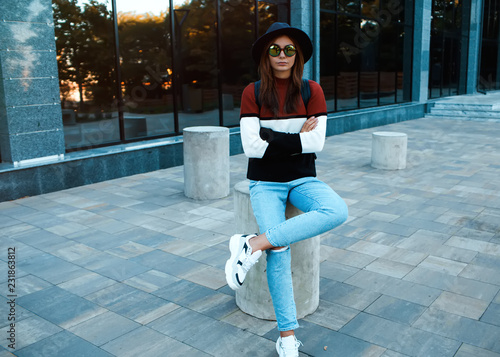 0afaacb46c9 Amazing stylish traveling girl in trendy autumn outfit posing  outdoor.Hipster