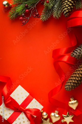 Foto op Plexiglas Hoogte schaal Christmas tree, Christmas gift and holidays ornament; Christmas invitation card background