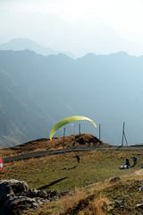 Fototapeta Gleitschirmflieger am Nebelhorn - Alpen
