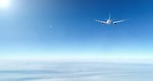旅客機・飛行機・青空