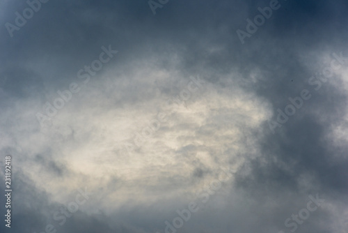 Foto  Dramatic cloudy sky with a bright light