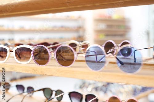 Fototapeta Okulary przeciwsłoneczne, modny dodatek do stylizacji