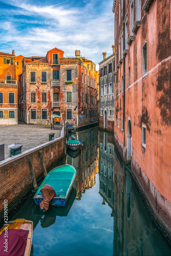 Fototapety, obrazy: Italy. Venice. Sunset over the beautiful canals of Venice on a summer evening