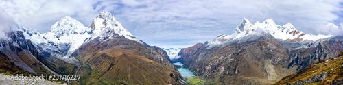 Montage in der Fensternische Himmelblau Landscape of Santa Cruz Trek, Cordillera Blanca, Peru