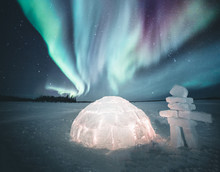 Igloo And The Northern Lights, Canada