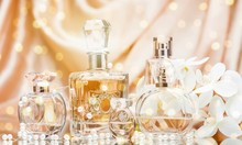 Glass Perfume Bottles With Flo...