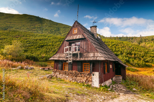 Fototapeta Mountain hut in Gasienicowa Valley, Tatra Mountains, Poland.