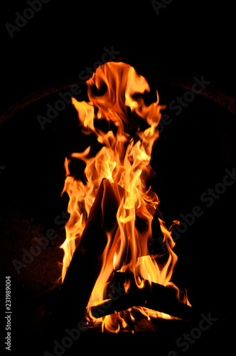 In de dag Vuur inferno flame fire on black background close up