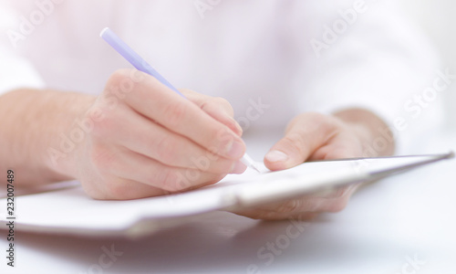 doctor writing out the prescription.close-up Canvas-taulu
