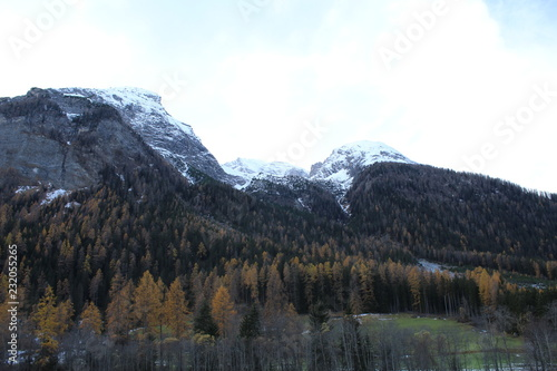 Fotobehang Wit Switzerland Mountains Landscape