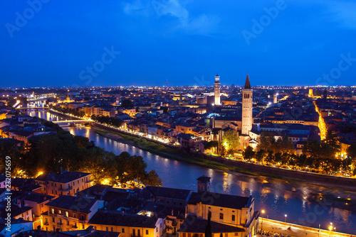Poster de jardin Paris Blue hour on Verona city, Italy