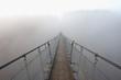 Die Geierlay Hängeseilbrücke im Nebel
