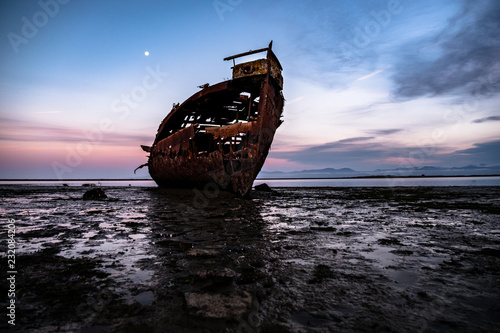 Foto op Canvas Schipbreuk Motueka Ship Wrecked. The famous ship in tasman coast area.
