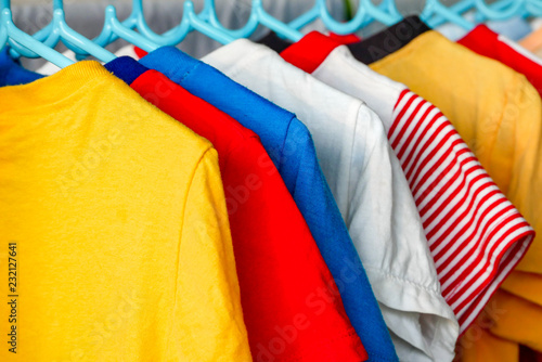 Fotografía  dry colorful clothes in the sun
