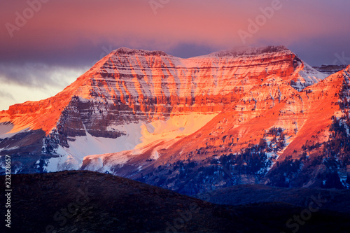 Papiers peints Corail Timpanogos glowing in morning light, Utah, USA.