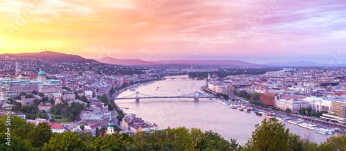 Foto auf Leinwand Budapest Panoramic view of Budapest at dusk