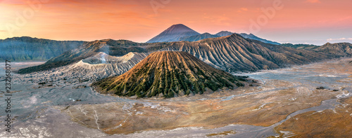 Foto op Aluminium Ochtendgloren View of Mountains Bromo, Semeru and Batok at sunrise
