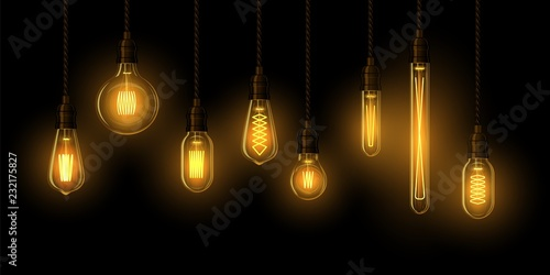 Photo  Set of realistic glowing lamp hanging on the wire