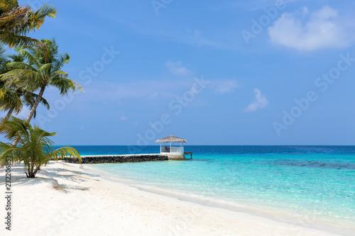 Photo Summer house on tropical island